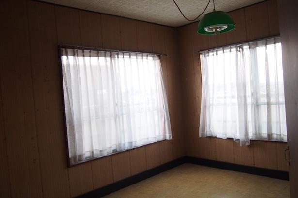 寝室もひとまずは塗装するぐらいにしておきます